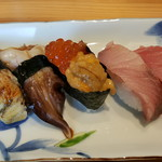 あかめ寿司 - 鰻、鳥貝、雲丹イクラ、鰤、中トロ