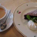 珈琲館 - ガトーショコラとカプチーノ