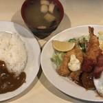 レストランいづみ - Bランチ(魚フライ・ハンバーグ・クリームコロッケ・目玉焼き・サラダ) ¥850