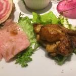 77607619 - オードブル 鹿児島和牛ヒウチのカルパッチョ,若鶏のケイジャン風
