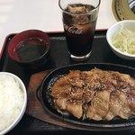 清香園 - 生姜焼き定食=800円 税別