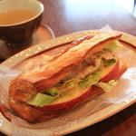 ラ・ミシェット - 料理写真:豚しゃぶのデニッシュサンド