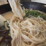 博多天神 - 麺は極細(2017.11.7)