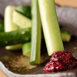 一本気の源侍 - 料理写真:冷えた梅キュー