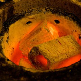 炭火で焼き上げる「ひもの」