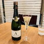 和の食 いがらし - まずはシャンパンで乾杯!