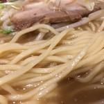 麺酒房 龍安 - 麺アップ