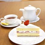 77619926 - ショートケーキ¥400                       紅茶¥500