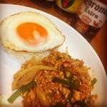 Bar&Dining LiNCUE - 一番人気!ガパオご飯