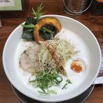 77630077 - 暁製麺 鶏豚らぁ麺 710円