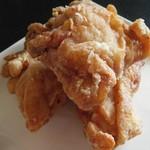 鶏の白石 - 骨抜き唐揚げ(4個)