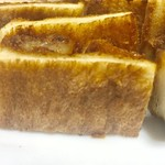 とんかつ藤よし - パンも美味しそうな焼き色が付いています【料理】