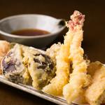 十八番 - 天ぷら盛り合わせ