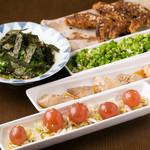 十八番 - とり三昧・手羽先・三河鶏胸肉タタキ葱ソース・至高の塩肝・名物きんかん半熟煮