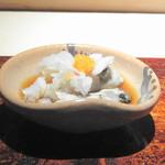 菊鮨 - ◆いろは島の牡蠣・・いろは島の牡蠣は小ぶりですが、旨みが凝縮していて美味しいのです。 鬼おろしともみじおろしが、いいアクセントに。