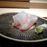 菊鮨 - *惜しげもなく厚く大きな切り身で出されます。 ねっとり感もいいですし、甘味を感じてとても美味しい。