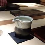 菊鮨 - ◆日本酒は3種類頂きましたが、酒器が同じですのでお写真は1枚だけ。 頂いたのは「横山五十」「田中六十五」「伯楽星」など。