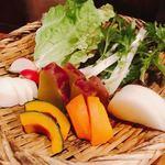 77640617 - 甘くて美味  有機野菜の盛り合わせ