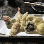 そば屋しみず - 天ぷら盛り合わせ