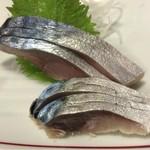 豊田屋 - 脂ノリノリ旨味染み出すしめ鯖 600円