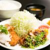 味の店 一番 - 料理写真:ひれかつハーフ&ハーフ定食 910円 以前人気だった味噌カツとおろしソースの一皿です!