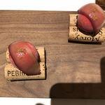 アニエルドール - 洋梨と赤ワインの茶菓子