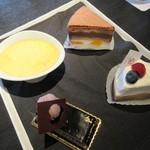プールサイドカフェ ラ ギャルリー - 本日のケーキから選択