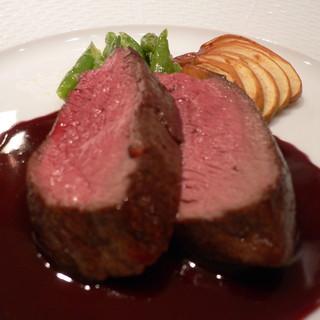 オー・プロヴァンソー - 料理写真:阿智黒毛和牛のロースト 赤ワインソース