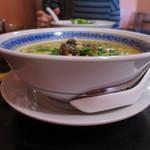 餃子荘 紅蜥蜴 - 担々麺(パクチー抜き)