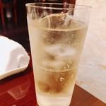 アニオン - シャンパンの後はバラン17年でシュワシュワするでしょ?