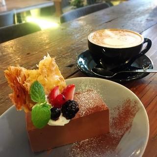 自家製デザートとおいしいコーヒーでほっこりCafeタイム☆