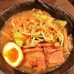 麺屋 紡 - 料理写真:たっぷり野菜らーめん 780円