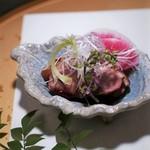 九州薩摩地鶏 薩摩次郎 - お通しの鴨のお肉
