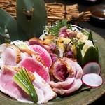 九州薩摩地鶏 薩摩次郎 - 新鮮地鶏のタタキ