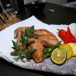 九州薩摩地鶏 薩摩次郎 - 手羽先の香味唐揚げ
