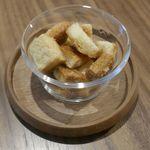ドウモカフェ - なお、おまけについて来たラスクは甘くカリカリとした食感が心地よく中々のウマさでした!