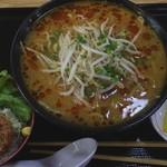 勝どき食堂 - おすすめBセット 辛味噌もやしラーメン+小ソースかつ丼 690円 めん大盛 半玉 90円