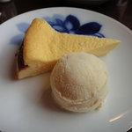 7768216 - 奥様手作りのチーズケーキ