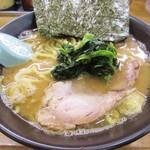 77680138 - 醤油豚骨ラーメン700円