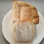 77682130 - 新麦の食パン