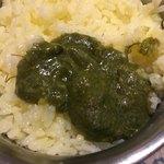 シュリアルナ - チキンサグ(ほうれん草)カレー