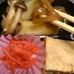浅草今半 - シメジと長ネギ,焼き豆腐,突き出し蒟蒻も良い具合に染みてました