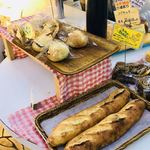 パンドミ - 新製品のフランスパンにバターと餡がたっぷり入ったのも美味しそうでした❗️
