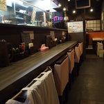 初代麺松 - カウンター席 6席