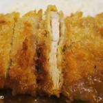 モジャカレー - カツは肉の厚みが5㎜程度