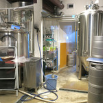 77694322 - お店の奥に小さな醸造所