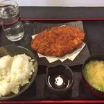 うまいもん酒場 魚鶏 - 日替わり定食(メガメンチカツ定食)