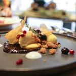 リリック - ベイクドチーズのチョコレートケーキ タイムとハチミツのアイス☆