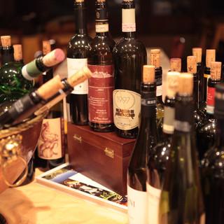 イタリアンワインの多種の品揃え。グラスワインも30種以上。