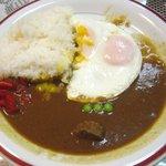 喜久屋カレー店 - ビーフカレー+目玉焼き